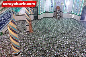 اجرای سجاده فرش تشریفاتی مسجدی طرح کاشیکاری سبز