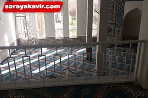 فرش سجاده ای کاشان با رنگ آبی طرح رضوان